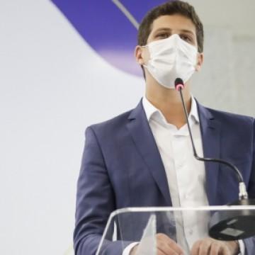 joão Campos espera vacinar maiores de 18 anos até setembro