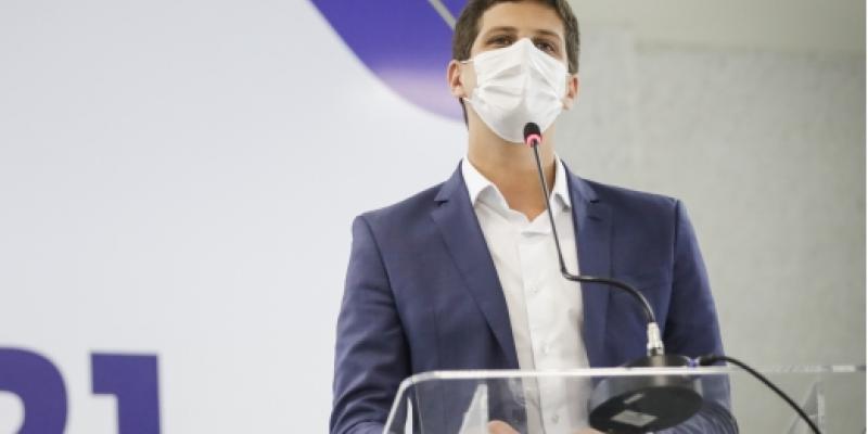 Prefeito do Recife afirmou que alcance da meta depende do envio regular de vacinas contra a Covid-19 pelo Ministério da Saúde. Gestor também criticou governo federal.