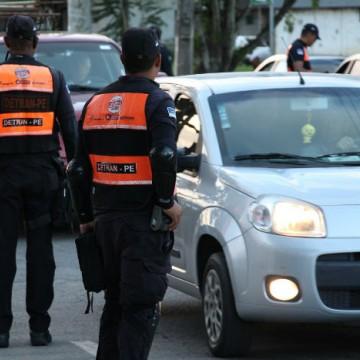 Detran intensifica ações de fiscalização e prevenção no Recife