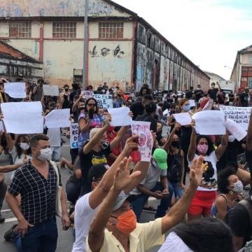 Protesto e vigília marcam os dez dias da morte do menino Miguel
