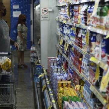 Confiança do comércio cresce 4,3% em agosto, diz CNC; alta é a 3ª consecutiva