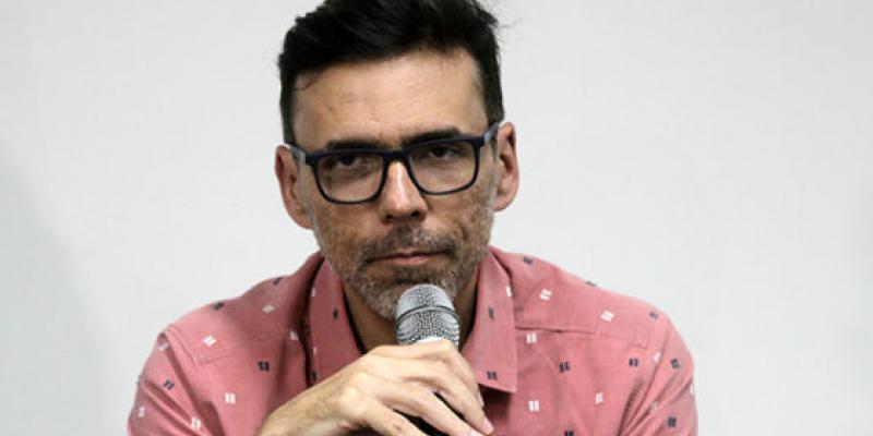 Segundo Demétrius Montenegro, estudos com medicamento remdezivir apontam para redução no tempo de internamento dos pacientes com Covid-19. Medicamento está indisponível no Brasil.