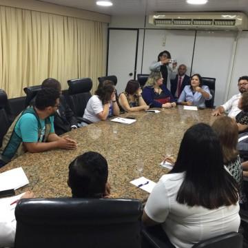 Câmara do Recife discute situação dos venezuelanos na capital