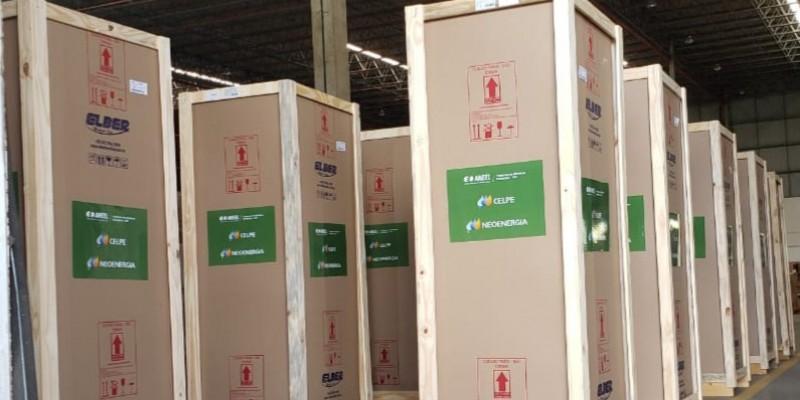 A empresa doará um total de 155 câmaras de refrigeração que serão utilizadas para armazenar os imunizantes contra a Covid-19