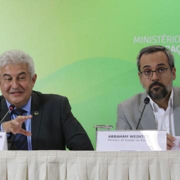 Ministro da Educação quer lançar universidades digitais