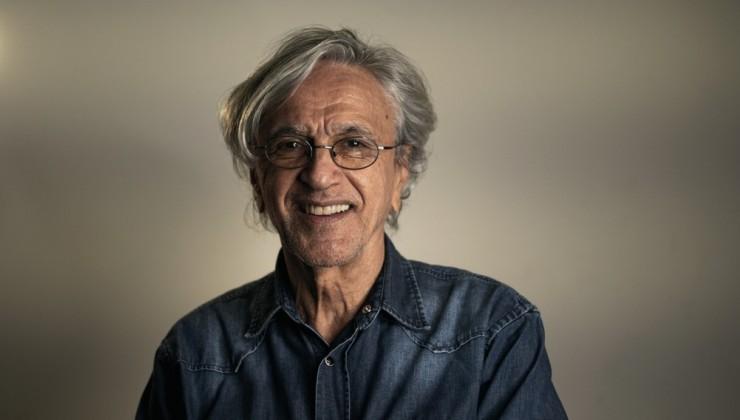 Caetano comemora 78 anos em live, ao lado dos filhos