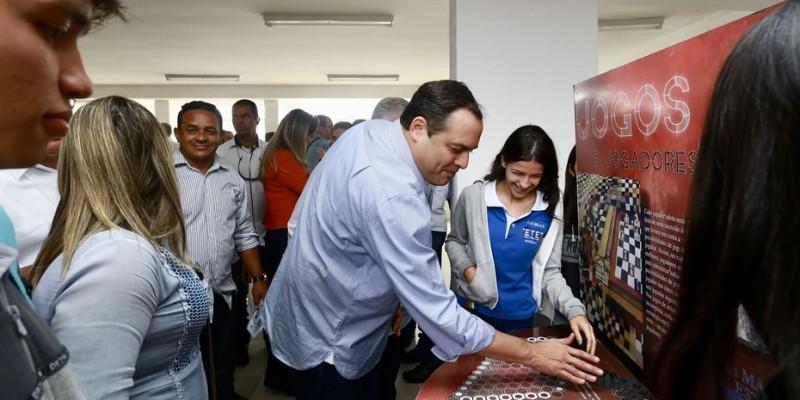 A abertura do programa na capital conta com a presença do governador do Estado, Paulo câmara