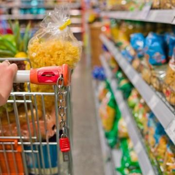 Ipem-PE encontra irregularidades em produtos da cesta básica fiscalizados em setembro