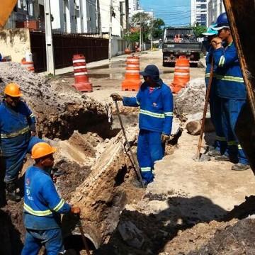 Bairros do Recife e Arcoverde recebem obras de saneamento básico