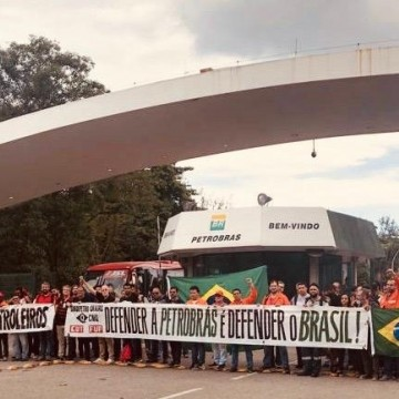 Petroleiros deflagram greve nesta segunda