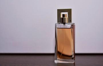 Polícia Federal alerta para golpe que promete kit de perfumes