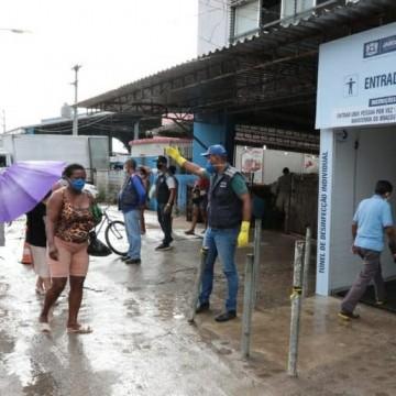 Prefeitura do Jaboatão instala túnel de desinfecção no Mercado das Mangueiras