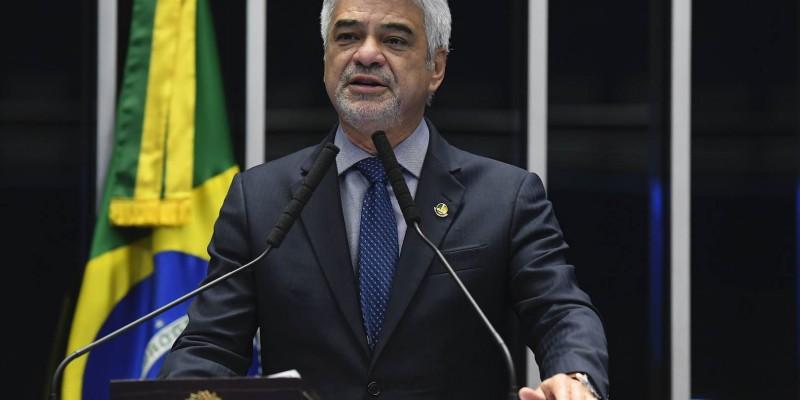 Proposta é de autoria do senador Humberto Costa (PT-PE) e pretende destinar cerca de R$ 3 bilhões para a elaboração de ações estratégicas na área de saúde