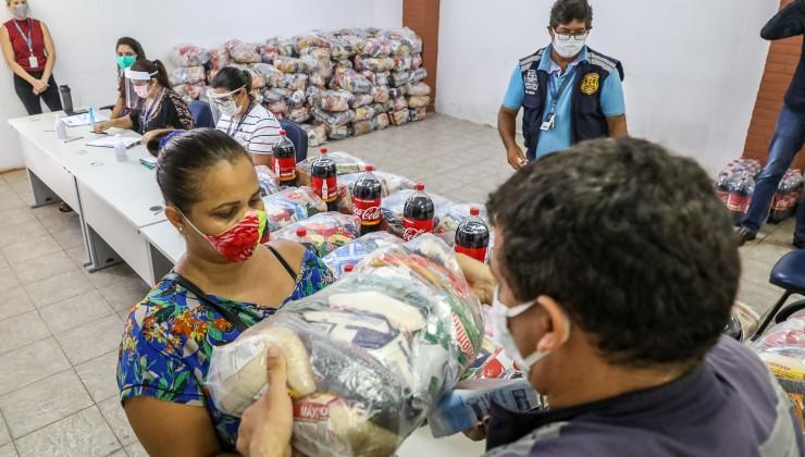 Artesãos e profissionais da economia de Jaboatão recebem assistência