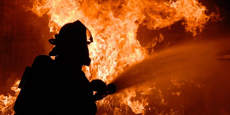 Defesa civil de Caruaru alerta para o número crescente de incêndios.