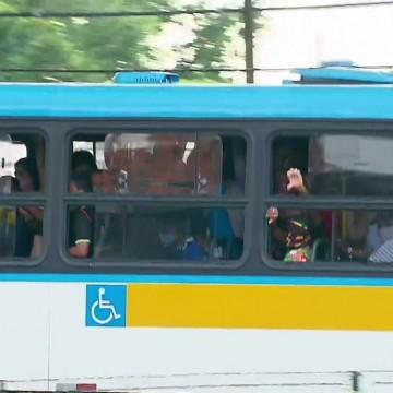 Cerca de 70% da frota de ônibus deve circular a partir desta segunda-feira (22)