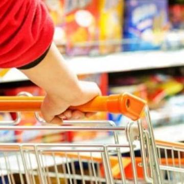 Intenção de Consumo das Famílias brasileiras apresenta nova retração