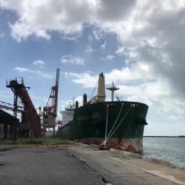 Tripulante filipino de navio isolado no porto do Recife morre em decorrência da covid-19