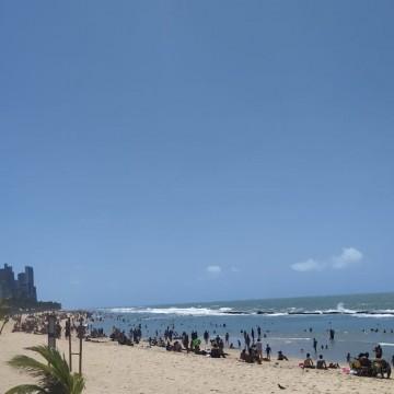 Praias do Grande Recife ficam cheias neste domingo