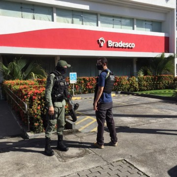 Homem morre durante assalto a banco no Recife