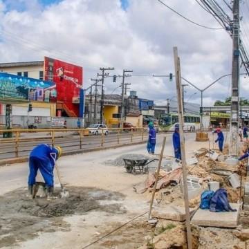 Em Olinda, obras avançam na Avenida Presidente Kennedy