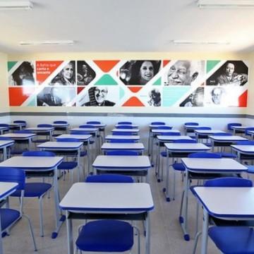 Aulas presenciais devem ser retomadas antes de outubro, diz secretário