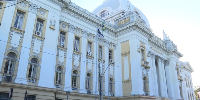 Também foi prorrogada a suspensão do expediente presencial nas unidades do Judiciário pernambucano até o dia 30 de abril