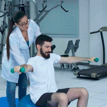 UniFavip oferece atendimento fisioterápico para pacientes que se recuperam de covid-19