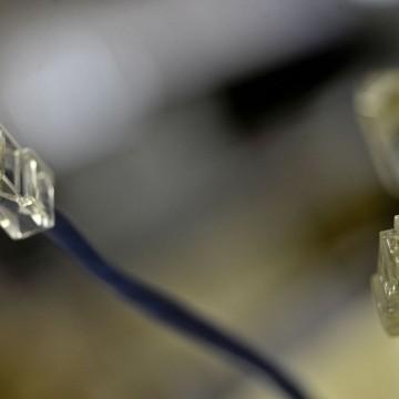 Nova meta do governo prevê fibra ótica em 99% das cidades brasileiras
