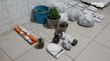 Três homens e uma mulher foram presos com drogas em Caruaru