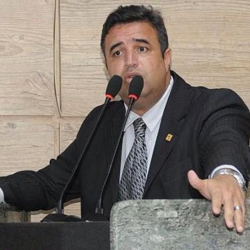 Diálogo institucional e cuidado com as pessoas, o pensamento de Bruno Lambreta à frente do Poder Legislativo