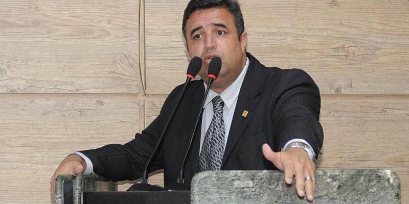 Mesa diretora, desafios do biênio e TV Câmara, são destaques de entrevista com o Presidente da Câmara de Vereadores de Caruaru