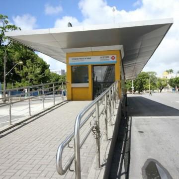 Estações do BRT são fechadas para obras de reparo