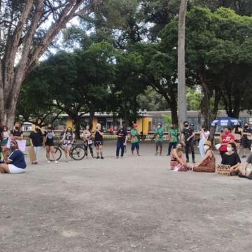 Manifestação no Recife pede justiça para o caso de Mariana Ferrer