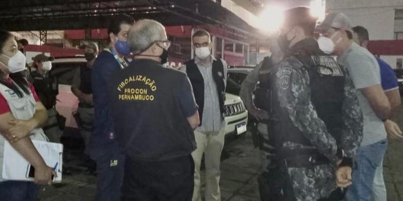 O Americano Bar, na Zona Norte do Recife, teve que ser interditado após registrar aglomerações e pessoas sem máscara durante o jogo do Náutico
