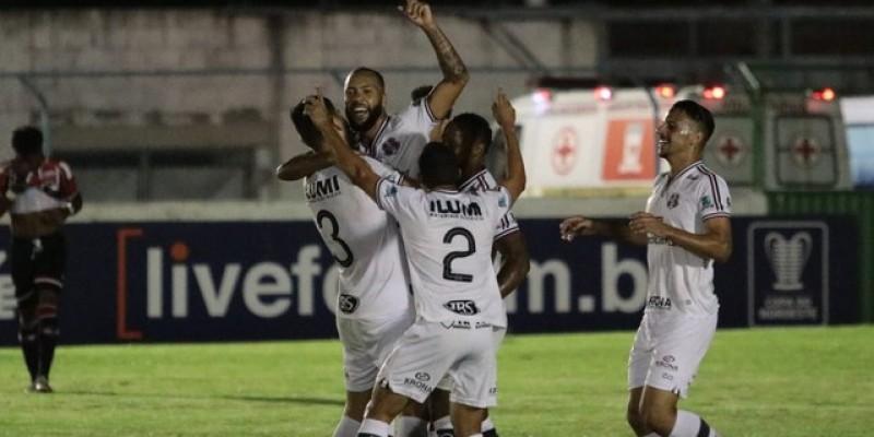 Numa partida sem muitas emoções, o Tricolor do Arruda passou pelo River-PI, por 1 a 0, e ficou em quarto lugar no Grupo B da Copa do Nordeste