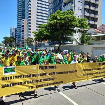 Ato pró-Bolsonaro movimenta zona sul do Recife
