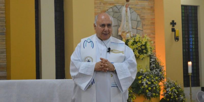 O padre estava internado desde a semana passada e faleceu na manhã desta terça-feira (12)
