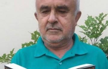 Professor lança livro com histórias que ouvia do pai