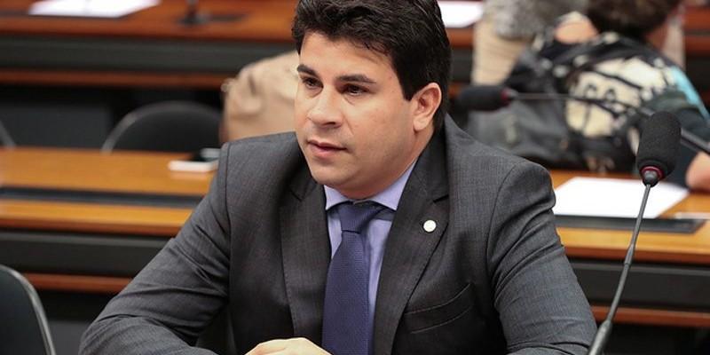 Deputado federal, Carlos Veras (PT-PE), afirma que os recursos serão voltados aos municípios das regiões do Sertão, Agreste e Metropolitana e, chegarão, também, a hospitais federais, estaduais e filantrópicos