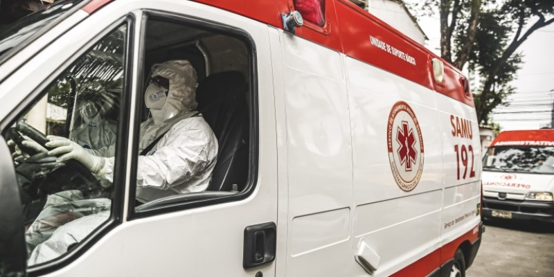 Em março, segundo pico da pandemia na cidade, o Samu Recife fez 1.591 atendimentos