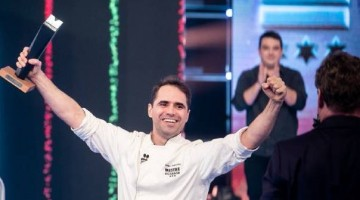 Rodrigo Guimarães  levanta troféu do Mestre do Sabor