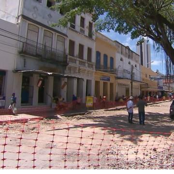 Ruas do Recife começam a receber serviços de pavimentação