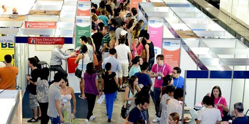 Pesquisa Selo BELTA aponta que o número de estudantes que viajaram para aprender uma língua  aumentou 20,4% em 2018