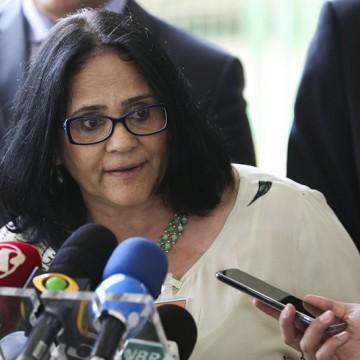 Ministra Damares cumpre agenda em Pernambuco
