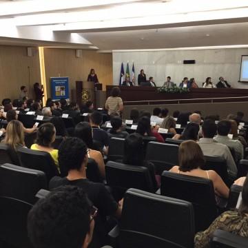 Seminário discute o papel da genética forense na resolução de crimes.