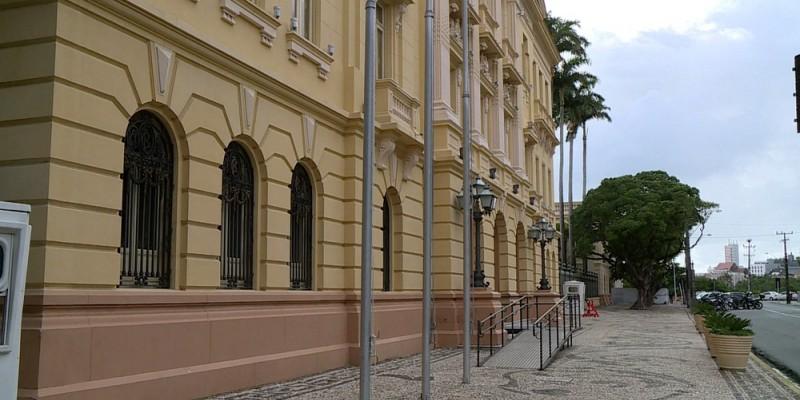 Cássio Sinomar, atual secretário-executivo de Defesa Social do Recife, está entre os acusados