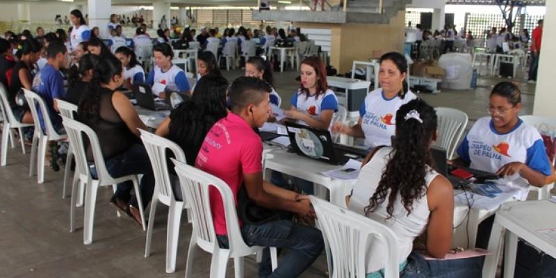 Os cursos vão ser divididos em turmas de 33 pessoas, e realizados em escolas públicas estaduais.