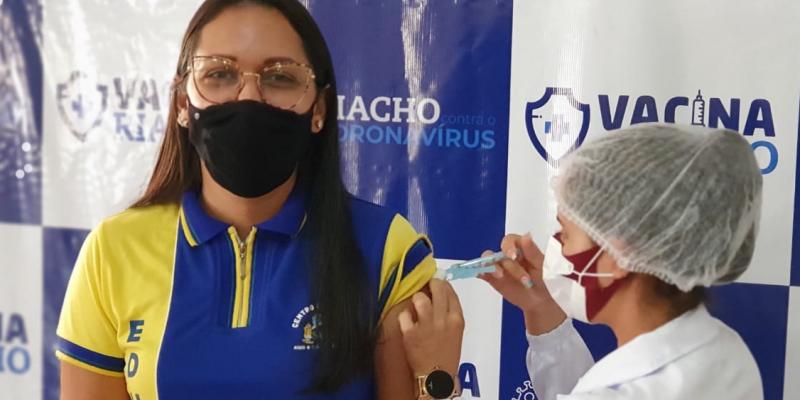 O agendamento está disponível no site www.vacina.riachodasalmas.pe.gov.br
