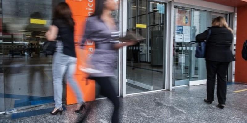 Seis em cada dez brasileiros das classes A, B e C utilizam meios digitais de pagamentos para realizar transações bancárias
